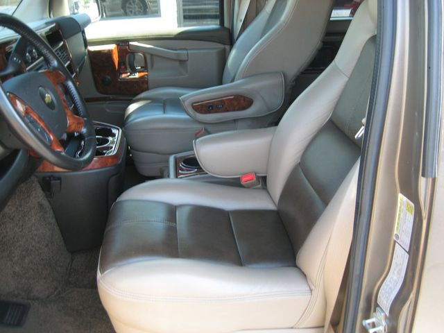 2016 Chevrolet Express Passenger Van Conversion Richmond, Virginia 17