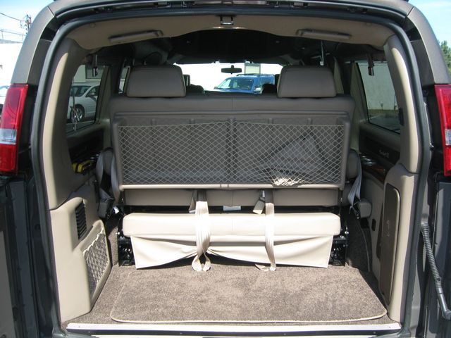 2016 Chevrolet Express Passenger Van Conversion Richmond, Virginia 36