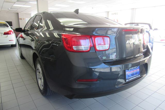 2016 Chevrolet Malibu Limited LT Chicago, Illinois 3