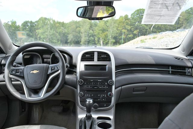 2016 Chevrolet Malibu Limited LS Naugatuck, Connecticut 12