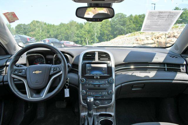 2016 Chevrolet Malibu Limited LT Naugatuck, Connecticut 18
