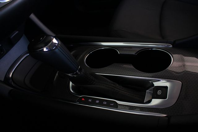 2016 Chevrolet Malibu Hybrid FWD- LEATHER, DRIVER CONFIDENCE  PKGS! Mooresville , NC 41