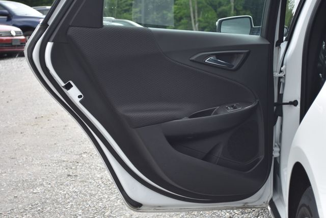 2016 Chevrolet Malibu LT Naugatuck, Connecticut 12