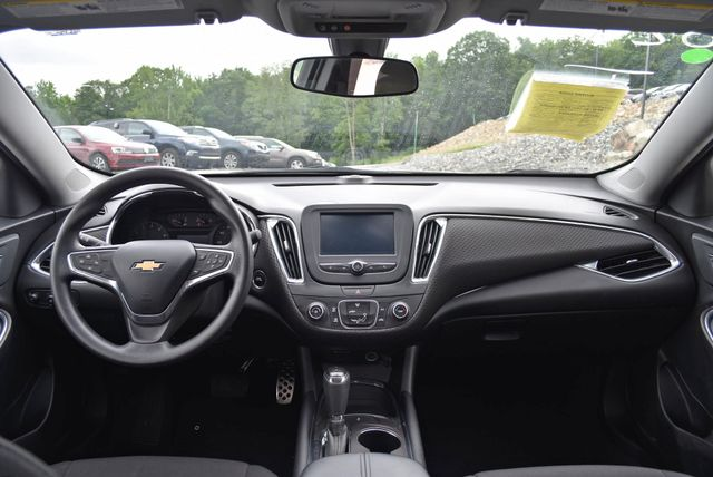 2016 Chevrolet Malibu LT Naugatuck, Connecticut 15