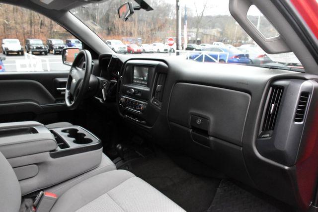 2016 Chevrolet Silverado 1500 Custom Waterbury, Connecticut 19