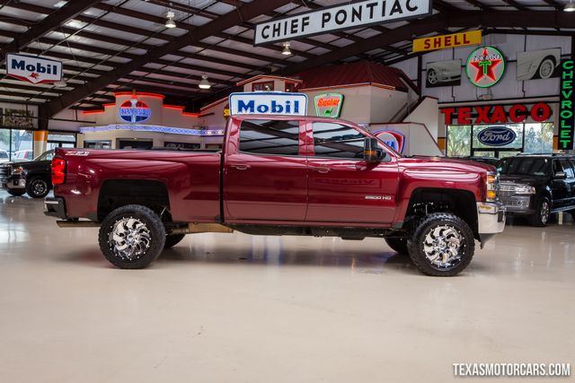 2016 Chevrolet Silverado 2500HD LT 4X4 in Addison, Texas 75001