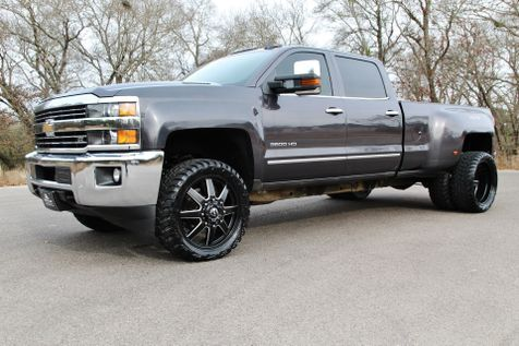 2016 Chevrolet Silverado 3500HD LTZ - 4X4 - 1 OWNER - 22s in Liberty Hill , TX