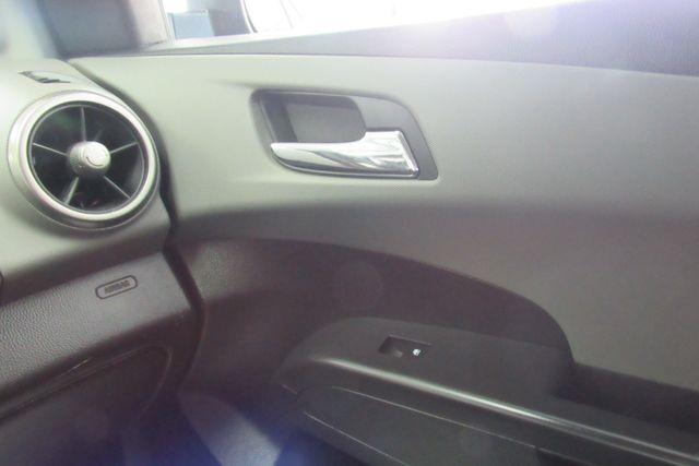 2016 Chevrolet Sonic LT Chicago, Illinois 14