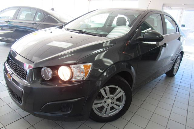 2016 Chevrolet Sonic LT Chicago, Illinois 3