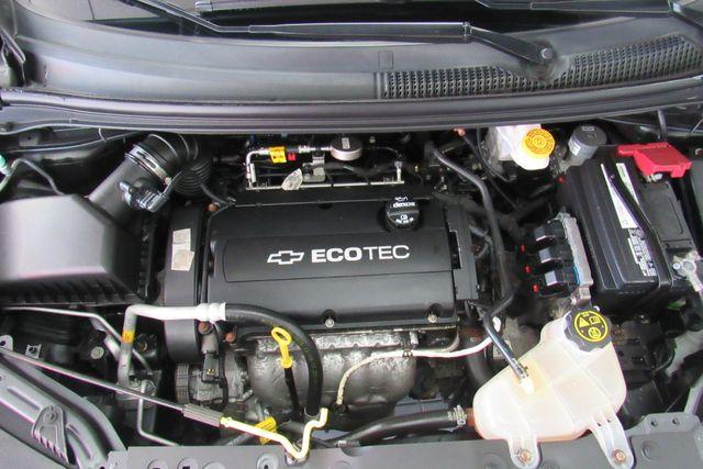 2016 Chevrolet Sonic LT Chicago, Illinois 26