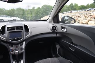 2016 Chevrolet Sonic LT Naugatuck, Connecticut 4