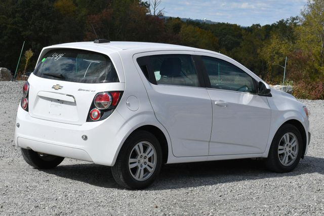 2016 Chevrolet Sonic LT Naugatuck, Connecticut 4