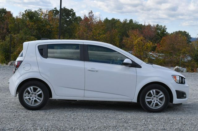 2016 Chevrolet Sonic LT Naugatuck, Connecticut 5