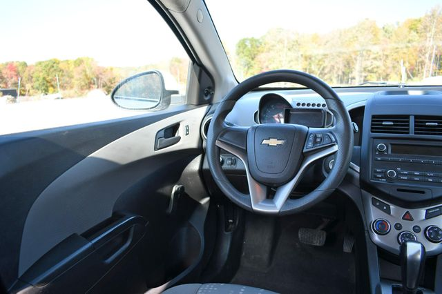2016 Chevrolet Sonic LS Naugatuck, Connecticut 14