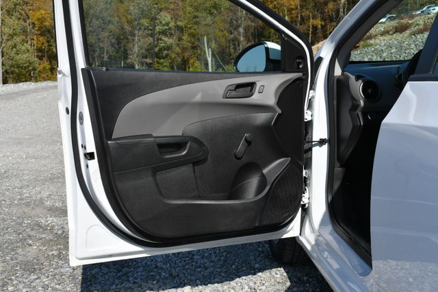 2016 Chevrolet Sonic LS Naugatuck, Connecticut 17