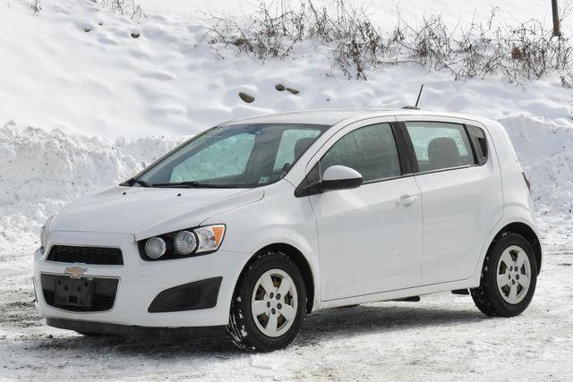 2016 Chevrolet Sonic LS Naugatuck, Connecticut 2