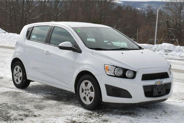 2016 Chevrolet Sonic LS Naugatuck, Connecticut 8