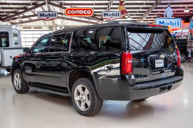 2016 Chevrolet Suburban LT 4x4 in Addison, Texas 75001
