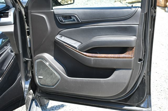 2016 Chevrolet Suburban LT Naugatuck, Connecticut 10