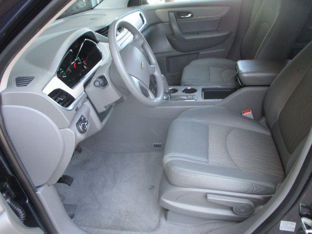 2016 Chevrolet Traverse LS Farmington, MN 2