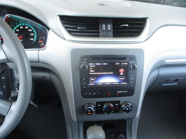 2016 Chevrolet Traverse LS Farmington, MN 5