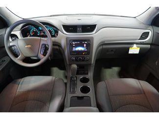 2016 Chevrolet Traverse LS  city Texas  Vista Cars and Trucks  in Houston, Texas