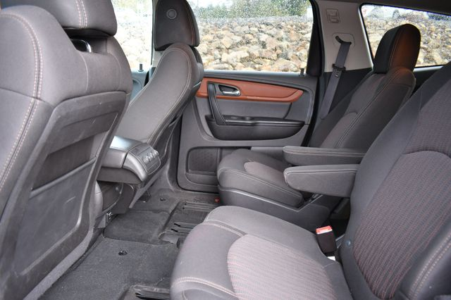 2016 Chevrolet Traverse LT Naugatuck, Connecticut 12