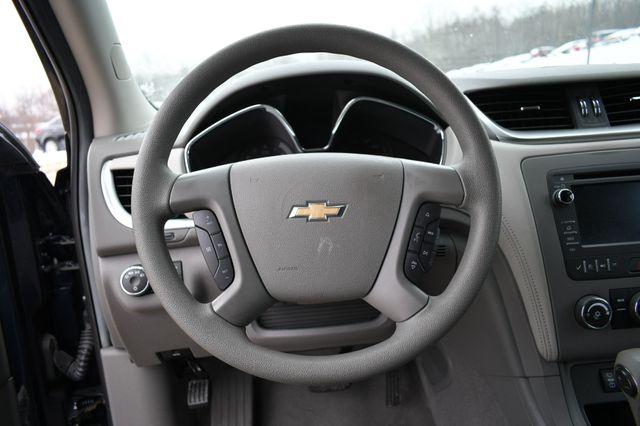 2016 Chevrolet Traverse LS Naugatuck, Connecticut 9