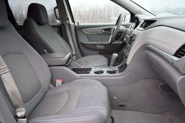 2016 Chevrolet Traverse LS Naugatuck, Connecticut 8