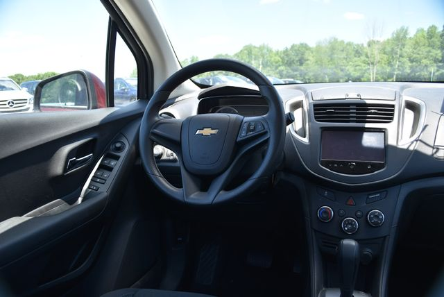 2016 Chevrolet Trax LS Naugatuck, Connecticut 11
