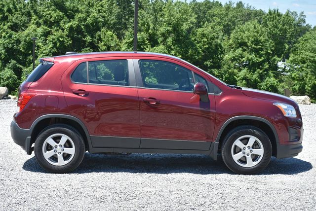 2016 Chevrolet Trax LS Naugatuck, Connecticut 5