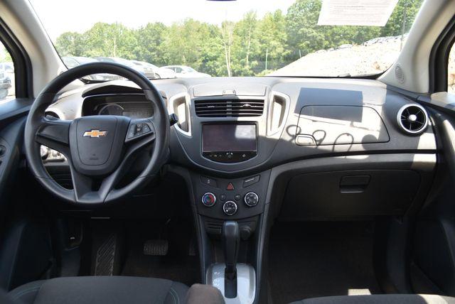 2016 Chevrolet Trax LS Naugatuck, Connecticut 12