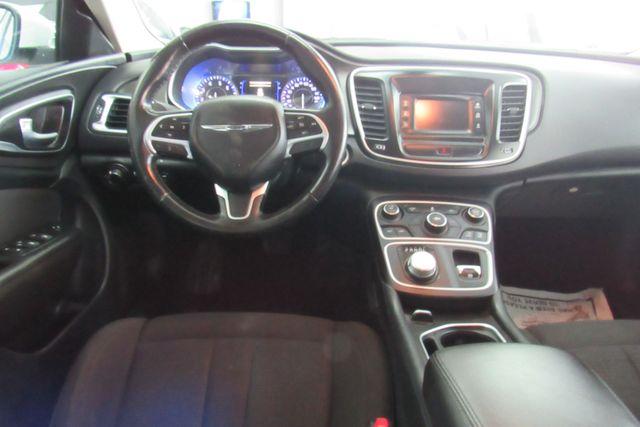 2016 Chrysler 200 Touring Chicago, Illinois 10