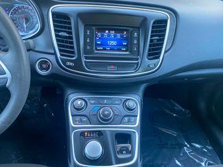 2016 Chrysler 200 Limited Farmington, MN 7