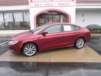 2016 Chrysler 200 S in Fremont, OH 43420