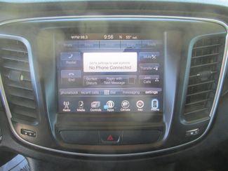 2016 Chrysler 200 Limited Platinum Gardena, California 6