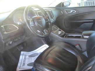 2016 Chrysler 200 Limited Platinum Gardena, California 4