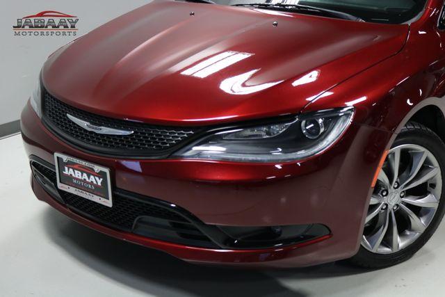 2016 Chrysler 200 S Merrillville, Indiana 29