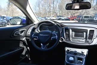 2016 Chrysler 200 Limited Naugatuck, Connecticut 13