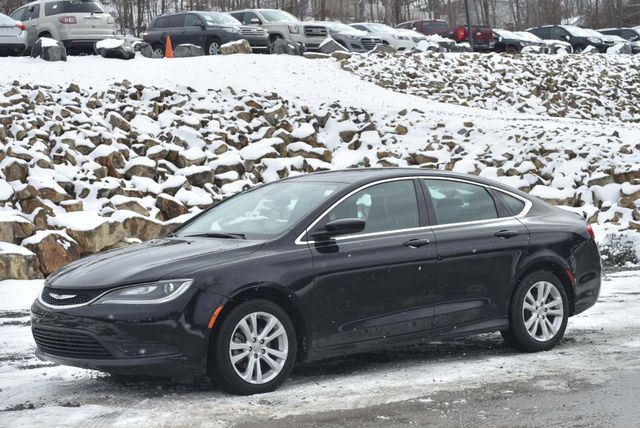 2016 Chrysler 200 Touring Naugatuck, Connecticut