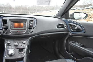 2016 Chrysler 200 S Naugatuck, Connecticut 13