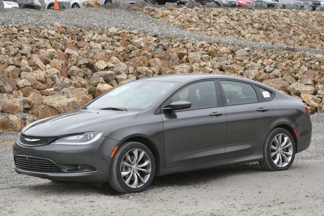 2016 Chrysler 200 S Naugatuck, Connecticut