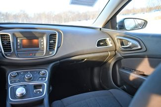2016 Chrysler 200 Limited Naugatuck, Connecticut 12
