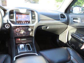 2016 Chrysler 300 Limited Batesville, Mississippi 24