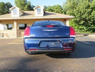 2016 Chrysler 300 Limited Batesville, Mississippi 11