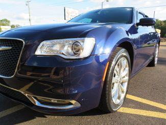 2016 Chrysler 300 Limited Batesville, Mississippi 9