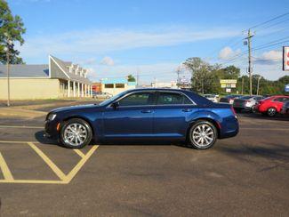 2016 Chrysler 300 Limited Batesville, Mississippi