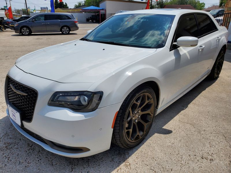 2016 Chrysler 300 300S Alloy Edition  Brownsville TX  English Motors  in Brownsville, TX