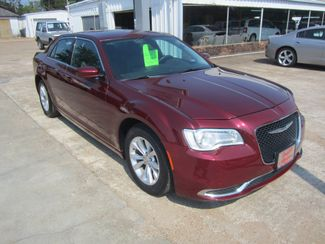 2016 Chrysler 300 Limited Houston, Mississippi 1