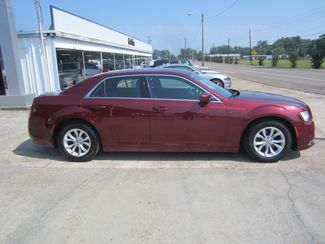 2016 Chrysler 300 Limited Houston, Mississippi 3
